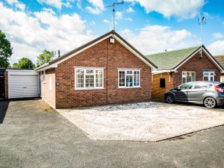 Two Bedroom Bungalow Close To Ammenities