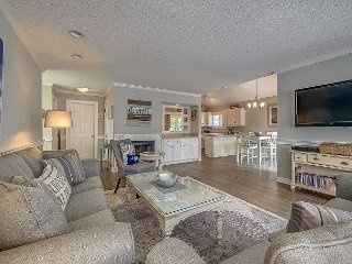 107 Oceanwood-25 Yards to Beach & Oceanfront Pool.