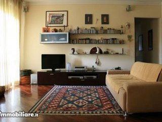 COMICS Elegante appartamento in zona tranquilla