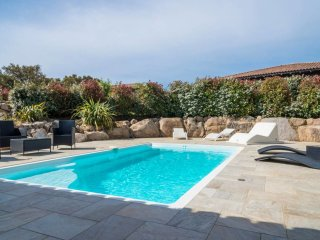 Villa ' Les chenes lieges ' with private pool between sea and mountain