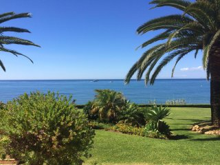 Beachfront Townhouse in Estepona for Vacations!
