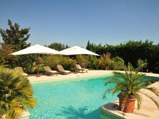 Large cottage Gite d'Alienor 8/10 p and animal park