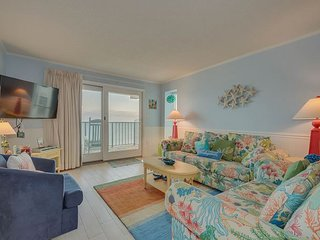 Nicely Remodeled oceanfront condo + FREE DAILY ACTIVITIES!!!