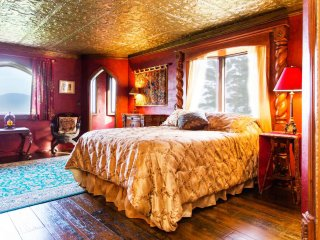 'The Royal Bedroom' in HIGHLANDS CASTLE!