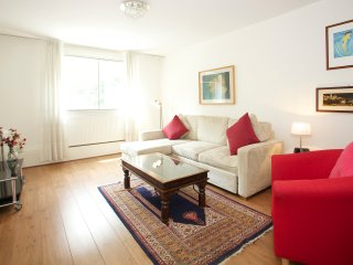 A lovely 1 bedroom located in fashionable South Kensington