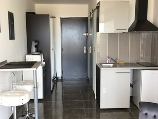 Location Appartement 77 Heliopolis Studio village naturiste Cap d'Agde Face mer