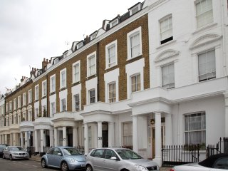 2 bedroom, 1 bathroom Pimlico family flat