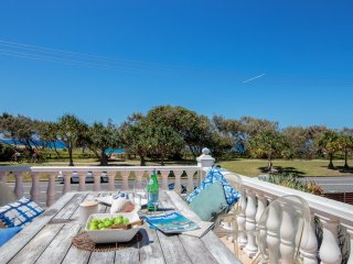 Villa by the Beach - Pet Friendly Beachside Living