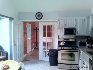 October Weekends ONLY $500 Vacation house in Pocono Pools and lakes in Community
