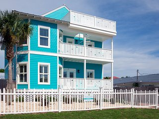 90 Yards to Beach! Huge Yard with Private Pool & Firepit! 7 Masters + Bunk Room
