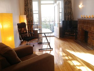 Gorgeous, freshly renovated 1-bedroom apartment with balcony in Montreal