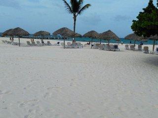 Rent and sale..!! Beatyfull playa y arena abundante..!!! piscina, seguridad.
