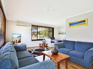 Sandy Toes Beach House - Jervis Bay - Pet Friendly