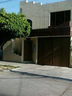 Casa Vacacional Centrica y Amplia ubicada a 1.2 km del centro historico