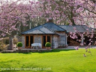 Holly Lodge (HOLLL)