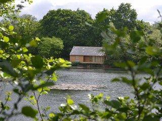44795 Log Cabin in Colchester