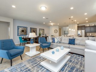 New 8BR 6bth Windsor at Westside home w/south facing pool, spa & games fr $293nt