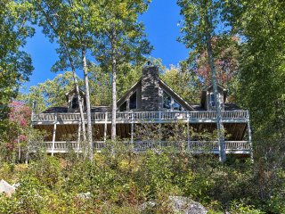 NEW! Luxurious 5BR Waynesville Home w/ Mtn Views!