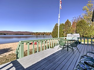 Waterfront 2BR Island Pond Cottage w/Beach Access
