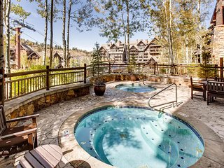 Updated ski-in ski-out home with fireplace, hot tub, pool - Daybreak at
