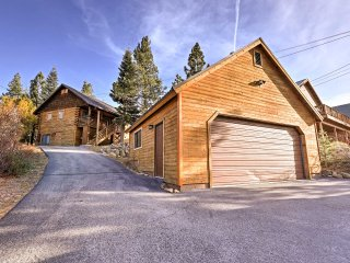NEW! Updated 3BR Truckee Cabin Near Skiing & Golf!