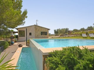 LITTLE COUNTRY HOUSE WITH POOL AND SPECTACULAR PANORAMIC VIEWS