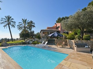 FANTASTIC HOUSE WITH PANORAMIC VIEWS AND HEATED SWIMMINGPOOL IN SELVA