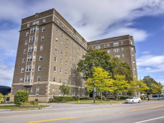 NEW! Cozy 1BR Niagara Falls Apt-Walk to the Falls!