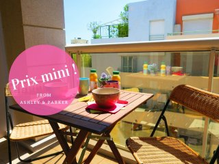 Ashley&Parker -  PALAIS RENOIR TERRACE - Perfect for family, 50m from the beach