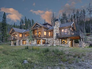 The Overlook -- Stunning Mountain Elegance with Expansive Views