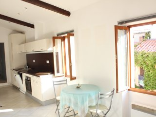 Charming flat in la Turbie