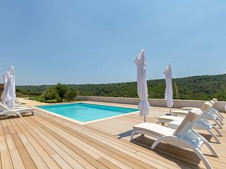 Luxury villa with tennis court, Hvar