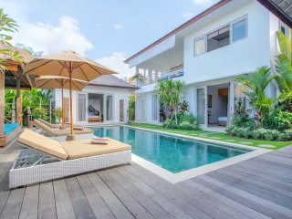 Mengwi Holiday Villa 10086