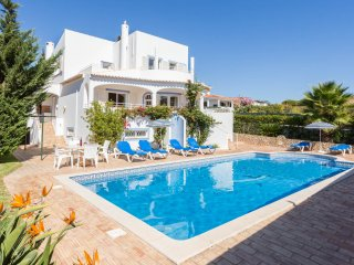 UP TO 50% OFF! KATHARINA,  Cosy villa w/ pool,close to beach,games room,AC,WiFi