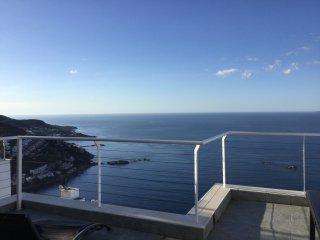 Rosas  ,Canyelles petites, vue exceptionnelle sur baie ,Maison avec piscine