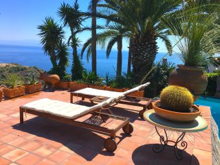 TAORMINA PANORAMIC APARTMENT with Pool + Sea View Terrace
