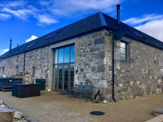 Luxury lodge with a hot tub and wood burning stove, near Kingussie