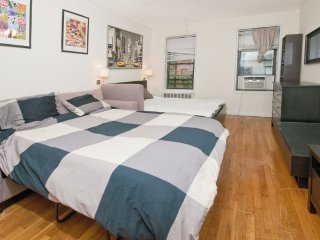 Beautiful studio on Upper East Side (min. 30 days)