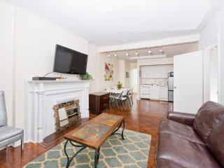 Beautiful 2 BR on Upper East Side
