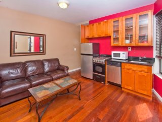 Exclusive! - Charming 3Br 2 Baths In Midtown East