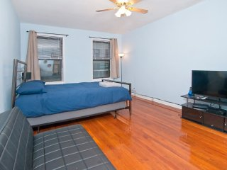 Lovely studio on Upper East Side (min. 30 days)