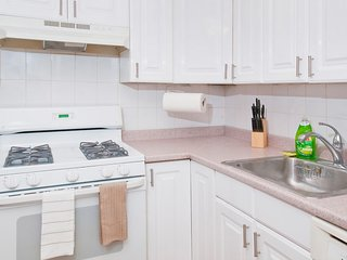 Exclusive! - Authentic 2Br In Ues 81St # 3C