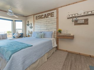 Sea Escape~Cute & Cozy w/Beach Access~Great Views!