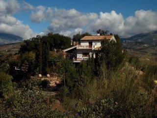 Bei Comares Villa in ruhiger Lage auf einem Hügel für 6 Personen mit Pool