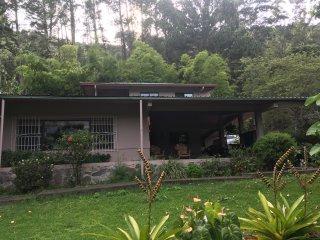 Casa Cielo Estate: 2/2 Historic Home in Bajo Boquete - GREAT VIEWS - Sleeps 6!