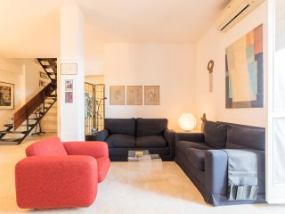 Two-Storey apartment with wonderful view of Rome