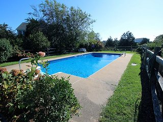 LOVELY KATAMA HOME WITH POOL