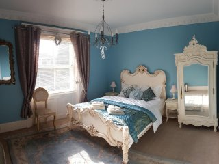 Royal Blue - Luxury King Room