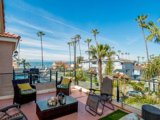Pvt. Home Steps to Best Beach in Oceanside Ocean View A/C