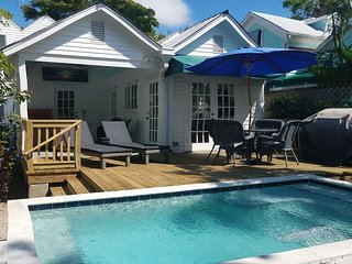 ~ CHAVEZ HOUSE ~ World Class Luxury w/ Private Heated Pool & Great Location!